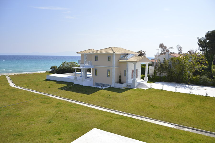 Продажа вилл на берегу моря купить квартиру в греции дешево